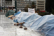 13 days of hunger strike are complemented by refugees at Syntagma Square who are seeking to join with their family members in Germany, Athens, November 13, 2017 / 13 ημέρες απεργίας πείνας συμπληρώνουν οι πρόσφυγες που εχουν κατασκηνώσει στην πλατεία Συντάγματος ζητώντας να ενωθούν με μέλη των οικογενειών τους που βρίσκονται στη Γερμανία, Αθήνα, 13 Νοεμβρίου 2017