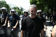 Municipal trash collectors protest at Maximos mansion, in Athens on June 27, 2017. / Συγκέντρωση απεργών της ΠΟΕ-ΟΤΑ στο Μαξίμου την Τρίτη 27 Ιουνίου 2017