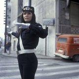 Female traffic warden / Γυναίκα τροχονόμος