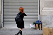 Homeless man, Athens, Greece, 2013 / Άστεγος άντρας στην οδό Ερμού, Αθήνα, 2013