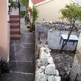 Alley in Neohori village in the Erissos area, Island of Kefalonia, Greece, August 2011 / Σοκάκι στο χωριό Νεοχώρι Ερίσσου, Κεφαλονιά, Αύγουστος 2011