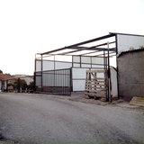 Makeshift construction, Neohori of Erissos, Kefalonia island, Greece, August 2011 / Πρόχειρη ιδιοκατασκευή από ελλενίτ, Νεοχώρι Ερίσσου, Κεφαλονιά, Αύγουστος 2011