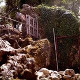 Fence at the back yard of the monastery in Erissos, Kefalonia Island, Greece, August 2011 / Φράχτης στην πίσω αυλή της Ιεράς Μονής Θεοτόκου Παλαιοχέρσου, Έρισσος, Κεφαλονιά, Αύγουστος 2011