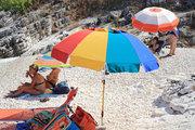 Bathers on the beach, Cephalonia, Ionian Islands, Greece, August 2016 / Λουόμενοι σε παραλία, Κεφαλονιά, Αύγουστος 2016