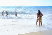 Young couple kissing at Myrtos Beach, Cephalonia, Ionian Islands, Greece, August 2016 / Νεαρό ζευγάρι φιλιέται στην παραλία του Μύρτου, Κεφαλονιά, Αύγουστος 2016