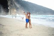 Couple posing for a selfie at Myrtos beach, Cephalonia, Ionian Islands, Greece, August 2016 / Ζευγάρι λουομένων ποζάρει για σέλφι στην παραλία του Μύρτου, Κεφαλονιά, Αύγουστος 2016