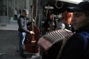 Street musicians, at central Athens, Greece, February 2017 / Πλανόδιοι μουσικοί στην περιοχή της Καπνικαρέας, Αθήνα, Φεβρουάριος 2017