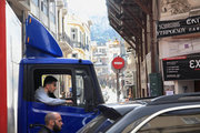 Traffic at central Athens, Greece, February 2017 / Μποτιλιάρισμα στην οδό Μητροπόλεως, Αθήνα, Φεβρουάριος 2017