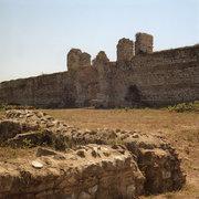 Early Christian walls at the archaeological site of Nikopolis, Preveza, Epirus, Greece, August 2012 / Τα παλαιοχριστιανικά τείχη στον αρχαιολογικό χώρο της Νικόπολης, Πρέβεζα, Ήπειρος,   Αύγουστος 2012