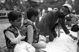 Muslim immigrants celebrating the Ramadan in Athens, April 1990 / Μουσουλμάνοι μετανάστες γιορτάζουν το Ραμαζάνι στο Πάρκο Ελευθερίας, Αθήνα, Απρίλιος 1990