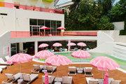 Swimming pool at Semiramis Hotel in Athens, Greece, June 2014 / Πισίνα στο ξενοδοχείο Σεμιραμις στην Αθήνα, Ιούνιος 2014