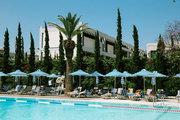 Swimming pool at Hilton Hotel in Athens, Greece, June 2014 / Πισίνα στο ξενοδοχείο Χίλτον στην Αθήνα, Ιούνιος 2014