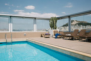 Swimming pool at Divani Caravel Hotel in Athens, Greece, June 2014 / Πισίνα στο ξενοδοχείο Divani Caravel στην Αθήνα, Ιούνιος 2014
