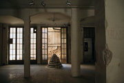 Deserted building of the 1920s in the historic center of Athens, Greece, July 2017 / Εγκαταλελειμμένο κτίριο της εποχής του 1920 στο ιστορικό κέντρο της Αθήνας, Ιούλιος 2017