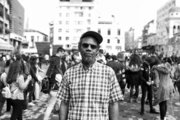 Pope L.,  American visual artsit, portrait in Monastiraki square. Athens, Greece, April 2017 /  Pope L., Αμερικανός καλλιτέχνης στην πλατεία Μοναστηρακίου. Αθήνα, Απρίλιος 2017