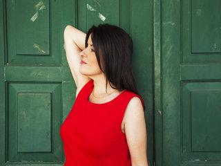 Stella Konitopoulou, Greek folk music singer